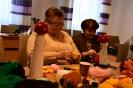 Zajęcia w pracowni robótek ręcznych i tkactwa