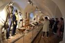 Wycieczka, Arsenał Muzeum Zamojskiego, Klubowicze zwiedzają ekspozycje
