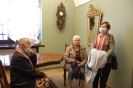 Wycieczka, Kamienica Ormiańska Muzeum Zamojskiego, chwila odpoczynku przy stole